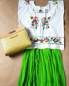 Folk Fashion, Womens Fashion, Mexican Design, Embroidered Clothes, Textiles, Boho, My Style, Outfits, Hand Made