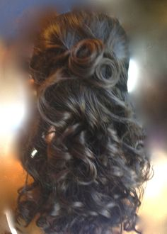 Half up-do with soft curls, bridal hair