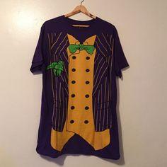 The Joker t-shirt Men's Large cosplay t-shirt. Hot Topic Tops Tees - Short Sleeve