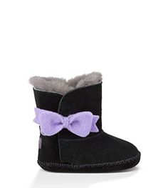 UGG Kids Baby Girl's Cassie Bow (Infant/Toddler) Black Boot SM (US 2-3 Infant) M. Suede upper with easy to adjust hook and loop closure. Fixed. decorative wool bow. 17mm sheepskin lining and 10mm UGGpure sockliner. Suede and molded rubber outsole.