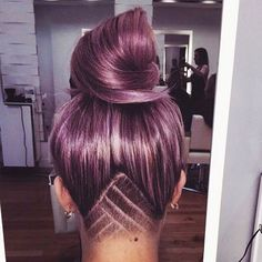 Some hair inspiration for yall today! How cool is this shit?  obsessed. @phantasma_gorific lets do this to you!