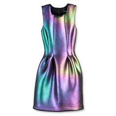 vetements holographique   Les vêtements chatoyants sont à la mode actuellement: une robe ou ...