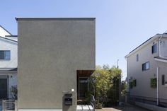 KT-HOUSE メインファサード|重量木骨の家 選ばれた工務店と建てる木造注文住宅 Style At Home, Narrow House, Box Houses, Facade Architecture, Facade House, Exterior Design, Branding Design, New Homes, Mansions