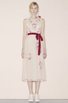 http://www.vogue.com/fashion-shows/spring-2016-ready-to-wear/red-valentino/slideshow/collection