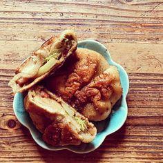 On a testé les #oyakis fait maison et c'est un régal 😄 on vous donne la recette en story  #cuisinejaponaise #cuisinemaison #cookingathome #newrecipe #recette #recipe #recipeoftheday #recettedujour #recettefacile #tutocuisine #blogcuisine #instafood #bonappetit #pauldebauche Hot Dog Buns, Hot Dogs, French Toast, Bread, Breakfast, Food, Japanese Kitchen, Home Kitchens, Home Made