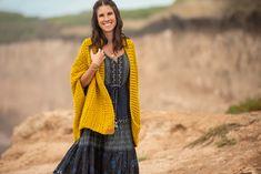 Podés encontrar este patrón y muchos más en mi tienda on-line. Incluye instrucciones detalladas con el paso a paso y enlace a videotutoriales. Crochet Shawl, Crochet Patterns, Etsy, Link, Fashion, Step By Step Instructions, Crochet Jacket, Sweater Vests, Sacks