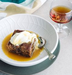 This sherry-enriched sticky date pud is perfect for lazy winter lunches and dinners. Just don't expect any leftovers! Sticky Date Pudding, Alcohol Recipes, Lunches And Dinners, Caramel, Toast, Cooking Recipes, Lazy, Desserts, Food