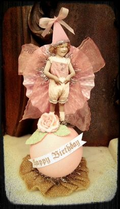 Custom cake toppers with your own photo Diy Crafts Vintage, Decoupage Vintage, 1st Birthday Party For Girls, Happy Birthday, Paper Art, Paper Crafts, Spool Crafts, Crafts For Kids, Arts And Crafts