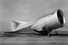 Lippisch Aerodyne: Full-scale model of the aerodyne, meant as an unmanned military machine (ca 1960)
