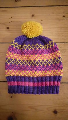 Crisscross Hat pattern by Torya Winters Wind And Rain, Knit In The Round, Bright Colours, Criss Cross, Knitted Hats, Beanie, Wool, Knitting, Medium