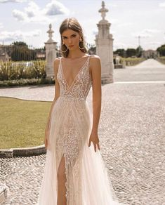 #BERTA Privée No.1 Bridal Dresses, Prom Dresses, Formal Dresses, Wedding Bride, Dream Wedding, Wedding Ideas, Little White Dresses, Beauty Trends, Dress Me Up