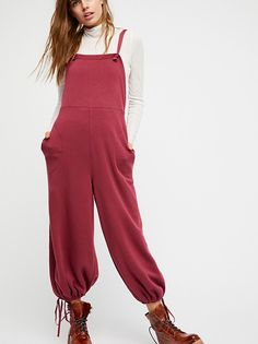 Shop our Over It Overalls at Urban Outfitters today. We carry all the latest styles, colors and brands for you to choose from right here. Casual Street Style, Street Style Women, Travel Dress, Jumpsuits For Women, Dress Me Up, Autumn Winter Fashion, Beautiful Outfits, Overalls, Dungarees