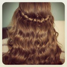 Straight/Curled and Twisted Hair Cute Hairstyles Long, Asymmetrical Hairstyles, Teen Hairstyles, Little Girl Hairstyles, Curled Hairstyles, Straight Hairstyles, Hairstyles Videos, Gorgeous Hairstyles, Simple Hairstyles