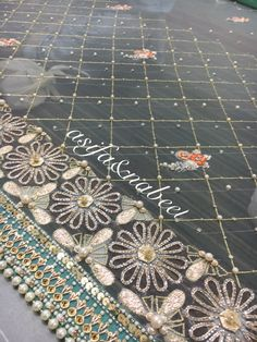 Asifa&Nabeel Hand Work Embroidery, Embroidery Saree, Embroidery Fabric, Hand Embroidery Designs, Beaded Embroidery, Embroidery Patterns, Asifa And Nabeel, Hand Work Design, Party Wear Indian Dresses
