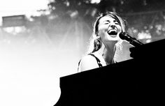 Sara Bareilles playing the piano!