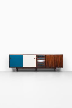 Arne Vodder sideboard model 29A by Sibast at Studio Schalling