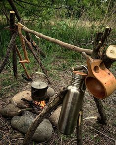 Great bushcraft techniques that all wilderness hardcore will definitely desire to know right now. This is basics for preppers survival and will save your life. Survival Weapons, Survival Food, Camping Survival, Outdoor Survival, Survival Tips, Survival Skills, Emergency Food, Bushcraft Skills, Bushcraft Gear