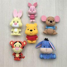 Felt Crafts Diy, Felt Diy, Doll Crafts, Cute Polymer Clay, Polymer Clay Crafts, Felt Patterns, Stuffed Toys Patterns, Winnie The Pooh, Crea Fimo