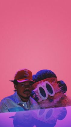 Chance the Rapper - Chance the Rapper Wallpaper - Tupac Wallpaper, Rapper Wallpaper Iphone, Rap Wallpaper, Trippy Wallpaper, Aesthetic Collage, Red Aesthetic, Aesthetic Pictures, Aesthetic Photo, Music Collage