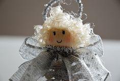 Angioletto argentato. #Christmas #handmade #craft #diy #pinecone #silver #Angel