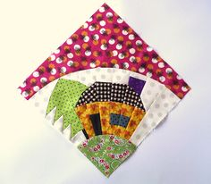 Blue Mountain Daisy: Friendly Friday - Chris Jurd - Patchwork Fundamentals no pattern but darling Idea Blue Mountain Daisy - this house block was made by Chris Jurd original creator unknown Blue Mountain daisy: from an old quilter's newsletter. Paper Piecing Patterns, Quilt Block Patterns, Pattern Blocks, Patchwork Patterns, Doll Patterns, Quilting Tutorials, Quilting Projects, Quilting Designs, House Quilt Block