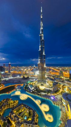 We traveled to Dubai to make the most complete travel guide ever. Discover the best things to do, to see, to eat in Dubai. (with exact locations & handy tips) Vacation Destinations, Vacation Spots, Dubai Travel Guide, Dubai Holidays, Dubai Desert, Visit Dubai, Dubai City, Amazing Buildings, Modern Buildings