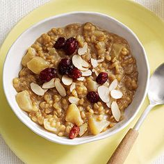 Apple-Cinnamon Wheat Berries ~ I don't know what wheat berries are but this looks heavenly!