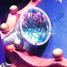 Topas love #notcomercial #beoriginal #womensstyle #justforyou #handmade #jewellery #jewelry #love #design #gregorysjoaillier #success #womenstyle #diamonds #diamond #topas #decoration #film #liveisbetter #wearingisevenbetter#lovewhatido