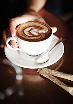 9 Resourceful Hacks: Coffee Latte Art coffee machine built in.Coffee Photography Heavens coffee date conversation. Latte Art, Tea Latte, Coffee Cafe, Coffee Drinks, Iced Coffee, Coffee Menu, Coffee Creamer, Espresso Coffee, Starbucks Coffee