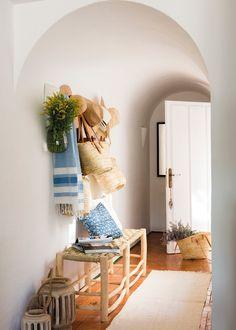 9 Tips to get a magazine for modern house  #modernhomedesign #halldecors #modernhomehalldesign #beautifulhalldesign #halldesign