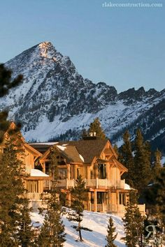 Montana Home Builders Montana Ranch, Montana Homes, Beautiful Homes, Beautiful Places, Big Sky Montana, Ski Montana, Log Home Living, Hotels, Big Sky Country