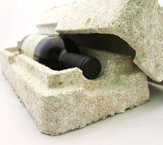 """A maioria dos plásticos que encontramos são feitos à base de petróleo, mas a empresa americana Ecovative Design quis mudar isso e criou um bioplástico ou """"plástico feito de cogumelos"""", um novo material à base de cogumelos que vai substituir o plástico."""