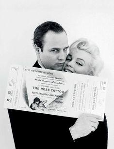 Marilyn Monroe y Marlon Brando en Nueva York, en noviembre de 1955 (Fotografía de Milton H. Greene)