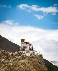 Tibetaans klooster bij Nedong, Tibet