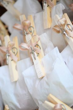 First Communion favor bag First Communion Decorations, First Communion Favors, Première Communion, First Holy Communion, Baptism Party Favors, Christening Favors, Little Presents, Baby Baptism, Baptism Ideas
