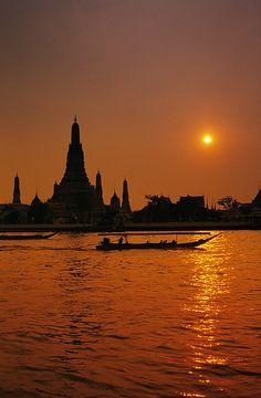 Wat Arun Temple silhouetted at dawn, Bangkok, Thailand