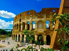 Colosseum Rome Italy one of Italy's most famous landmarks . #Italy #Rome