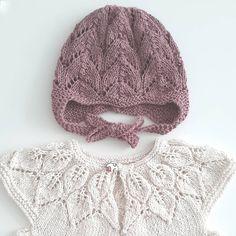 - B A R S E L S G A V E - Mmmmm flere babyer i vennekredsen #strik #hjemmestrik #striktilbaby #leneholmesamsøe #bellakjole #knitforkids #knit #babystrikpåpinde3 #doverandmadden #cloverearflaphat