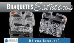 Sim. Os braquetes estéticos atualmente têm um sistema de adesão mecânico composto de partículas de cerâmica e podem ser recolados. Para isso basta jatear a base com óxido de alumínio aplicar uma fina camada de adesivo polimerizar e usar a resina de colagem normalmente.  1. Chung C-H Friedman SD Mante FK. Shear bond strength of rebonded mechanically retentive ceramic brackets. Am J Orthod Dentofacial Orthop 2002;122(3):2827.