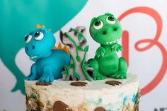 You can't go wrong with the ideas found in this colorful Dinosaur Birthday Party here at Kara's Party Ideas! Dinosaur Birthday Party, 3rd Birthday, Birthday Parties, Birthday Cakes, Dinosaur Cake Toppers, Dinosaur Photo, Kara, Bunt, First Birthdays
