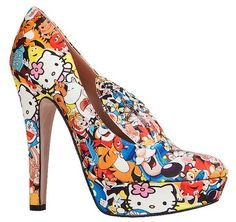 Lady Gaga wears Minna Parikka's amazing 'Bugs' pumps Sock Shoes, Shoe Boots, Shoes Heels, Pumps, Yamaguchi, Stiletto Heels, High Heels, Unique Shoes, Kawaii