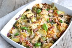 Try these easy yummy chicken recipes with few ingredients! Here's 35 four ingredient easy chicken dinner casseroles and meals for families. Yummy Chicken Recipes, Easy Dinner Recipes, Diet Recipes, Healthy Recipes, Soup Recipes, Healthy Soup, Dinner Ideas, Pudding Recipes, Frugal Meals