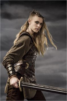 "A Saxon text from 1200 states that ""there were once women in Denmark who dressed themselves to look like men and spent almost every minute cultivating soldiers' skills"". (Gaia Weiss as Porunn in Vikings)."