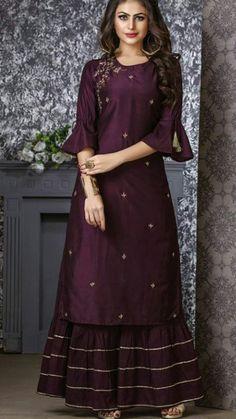 Beautiful Kurti with sharara. Embellished with gota work and embroidery - Salvabrani Indian Gowns Dresses, Pakistani Dresses, Indian Outfits, Bollywood Dress, Trajes Pakistani, Stylish Dresses, Fashion Dresses, Sarara Dress, Look 2018