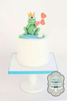 Frog or prince cake, valentines by @miraquetarta