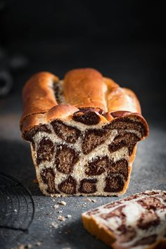Leopard Milk Bread Recipe made with bread flour, cocoa powder, and orange zest. Soft homemade bread recipe with fun leopard spots! Soft Homemade Bread Recipe, Milk Bread Recipe, Bread Recipes, Baking Recipes, Dessert Recipes, Desserts, Cheesecake Cupcakes, Art Du Pain, Le Diner