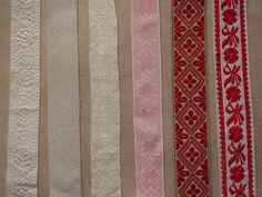 Opasováky - stuhy, které si ženy uvazují v pase, Vnorovy, Hroznová Lhota. Folk clothing from Vnorovy, Hroznová Lhota (Czech Republic).