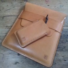 iPhone and iPad matching veg tanned leather cases 31trum Leather works