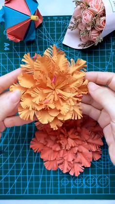 Cool Paper Crafts, Paper Flowers Craft, Paper Crafts Origami, Diy Crafts For Gifts, Diy Arts And Crafts, Flower Crafts, Paper Flower Tutorial, Origami Tutorial, Quilling Flowers Tutorial