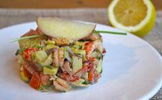 Ziet dit gerecht er niet vrolijk uit? Met een zalm- en tonijntartaar ben je vast en zeker bekend. Dit is een tartaar 2.0. Gemaakt van rivierkreeftjes, groenten en zelfs fruit! Denk aan een romige avocado, frisse appel, smaakvolle tomaat, kruidige bieslook en pittige rode ui. In een handomdraai creëer je... Read More →
